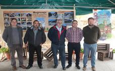 Autoridades, colaboradores y vecinos de Mogrovejo celebran la concesión del premio 'Pueblo de Cantabria 2017'