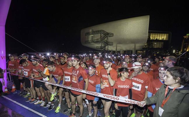 La Viesgo Night Race devora la ciudad a golpe de zapatilla