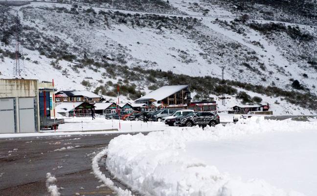 Alto Campoo recibe con nieve al nuevo director de la estación