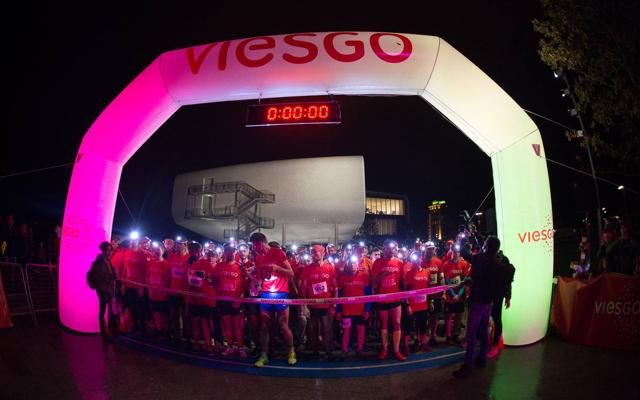 La Viesgo Night Race iluminó Santander gracias a la solidaridad de más de 1.300 participantes