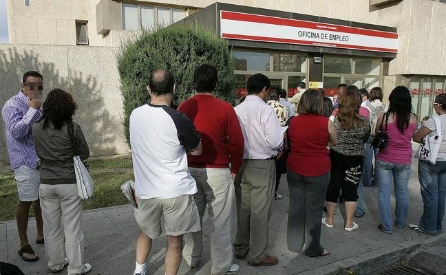 El paro de larga duración en Cantabria afecta a más de la mitad de los desempleados