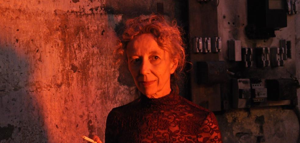 Ana Vallés: «Los artistas asumimos el papel que deberían de jugar las instituciones»