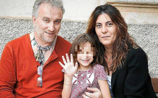 Piden dos años de cárcel para los padres de Nadia por exhibicionismo y pornografía infantil