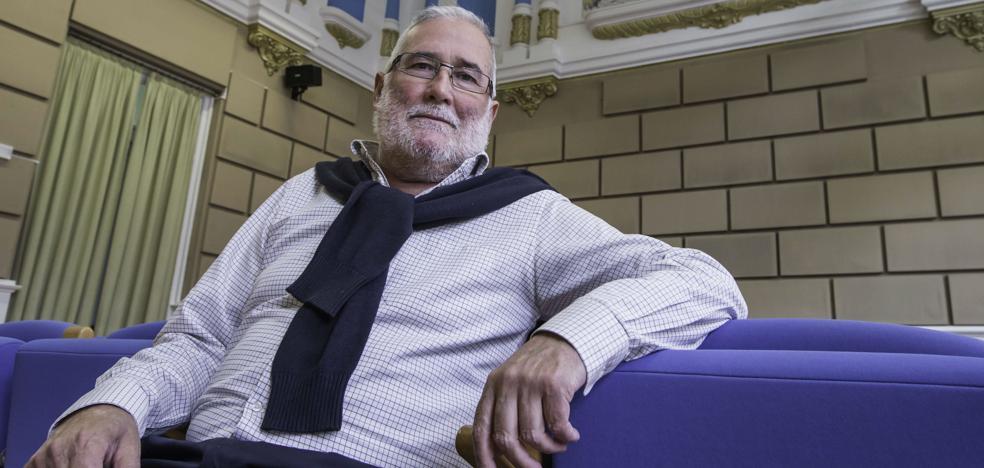 El exconsejero Ramón Ruiz se enfrentará a Casares por el control del PSOE de Santander