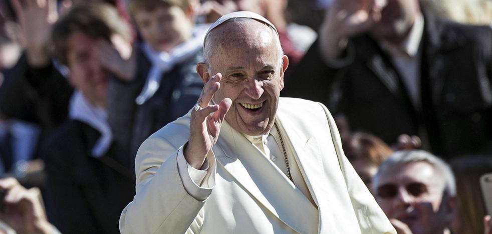 El Papa prohíbe la venta de cigarrillos en el Vaticano a partir de 2018
