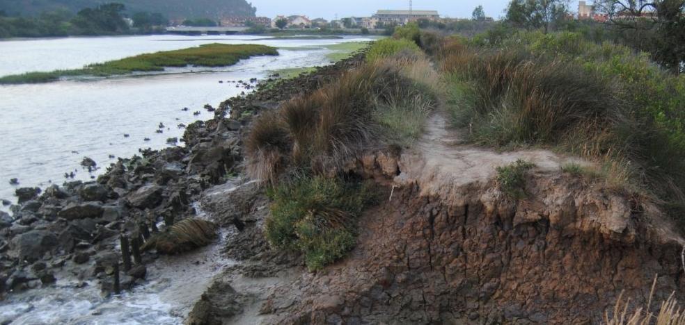Santoña pide una ayuda al GAC Oriental para reparar el dique de Bengoa
