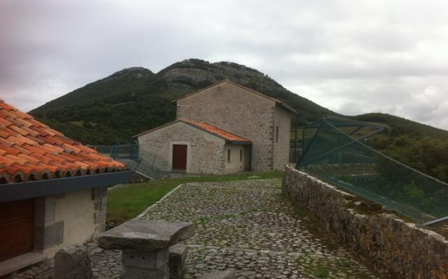 La Asociación en Defensa del Patrimonio de Santoña critica la reforma del fuerte del Mazo