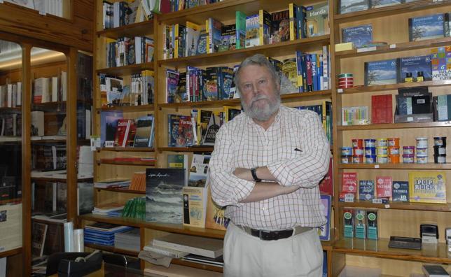 Fallece el librero César Peña, propietario de la 'Hispano-Argentina'