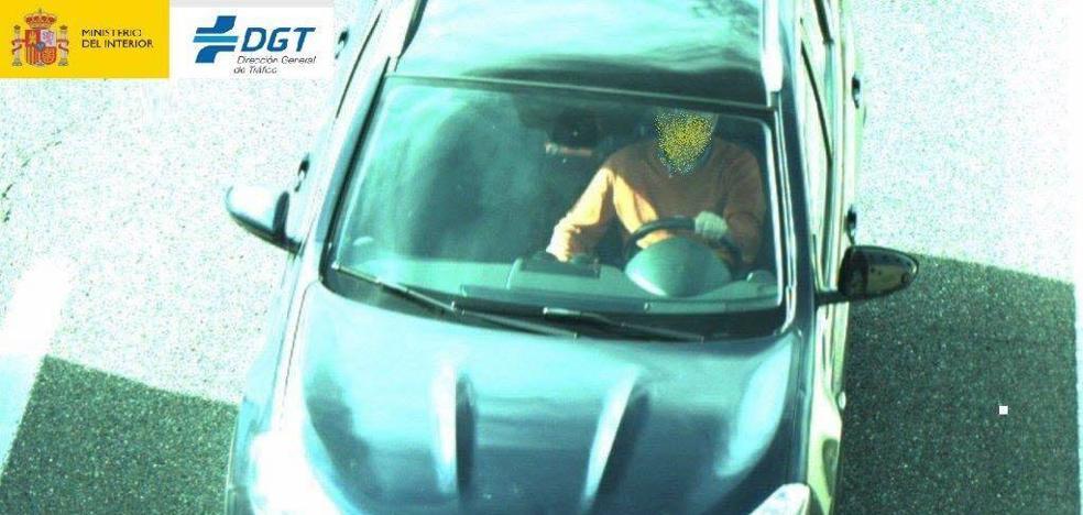 Las cámaras instaladas por Tráfico para controlar el uso del cinturón de seguridad comienzan a multar