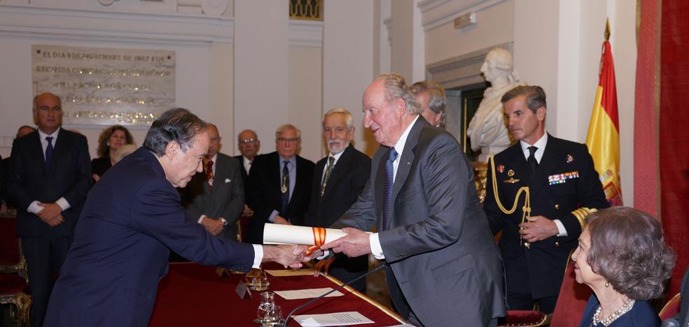 El Rey Juan Carlos entrega la Medalla de Honor al Teatro Real