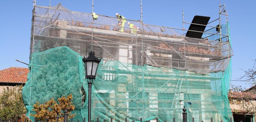 Obras Públicas financia la rehabilitación de las antiguas escuelas de Hormiguera
