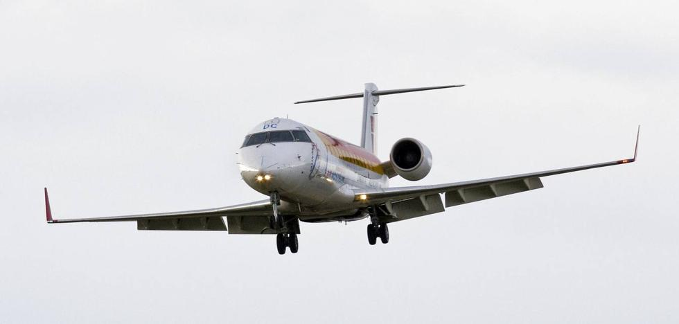 Air Nostrum busca en Cantabria tripulantes de cabina de pasajeros