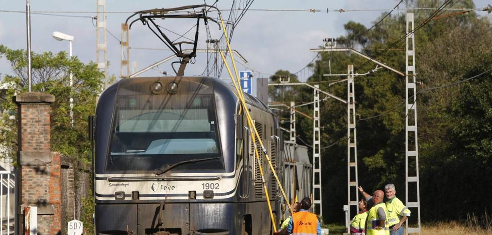Una avería en un tren de mercancías corta la línea de Feve durante dos horas entre Santander y Torrelavega