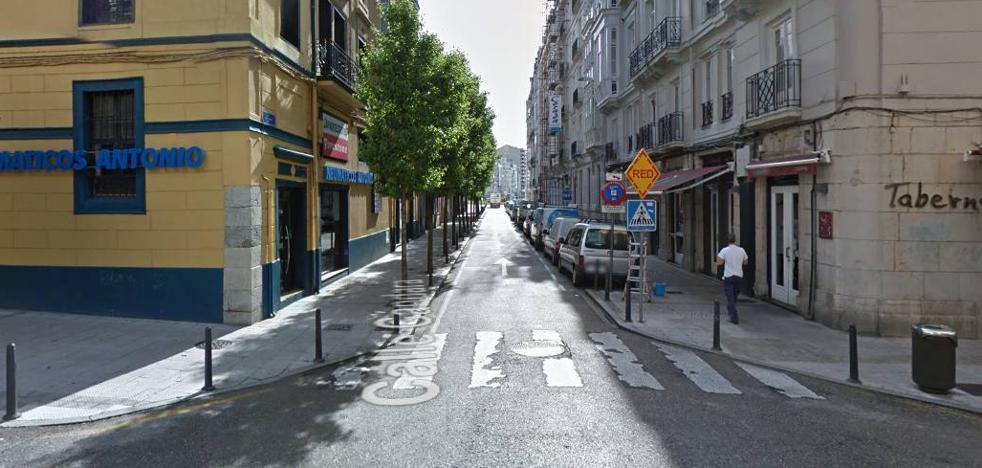 Una pelea «tumultuaria» en Santander acaba con un apuñalado y dos detenidos
