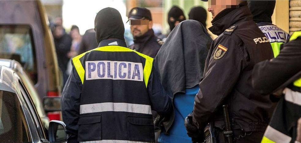 Detenidos dos históricos ladrones de bancos en Madrid tras fugarse de prisión