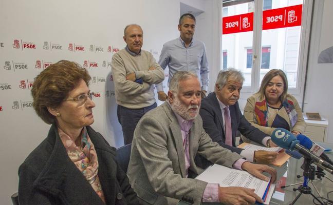 Ramón Ruiz critica la «falta de debate interno» en el PSOE de Santander
