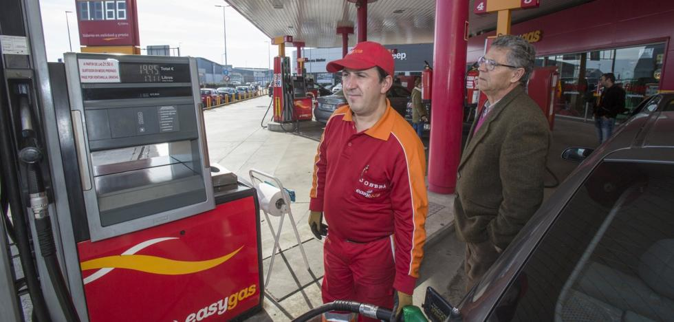 El diésel no baja ya del euro en ninguna estación de servicio de Cantabria