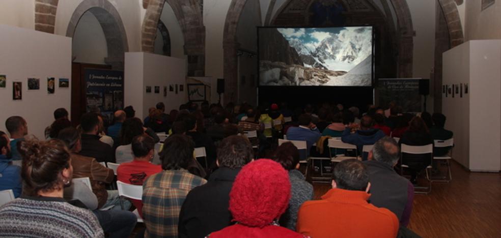 Comenzó el festival de cine de montaña 'Mendi Tour' en Potes