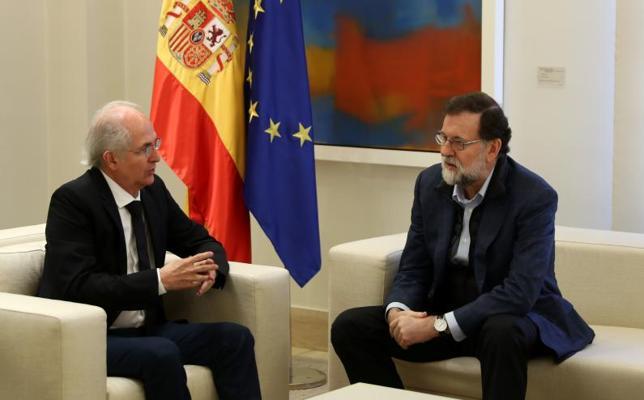 Rajoy transmite a Ledezma su compromiso con la democracia en Venezuela