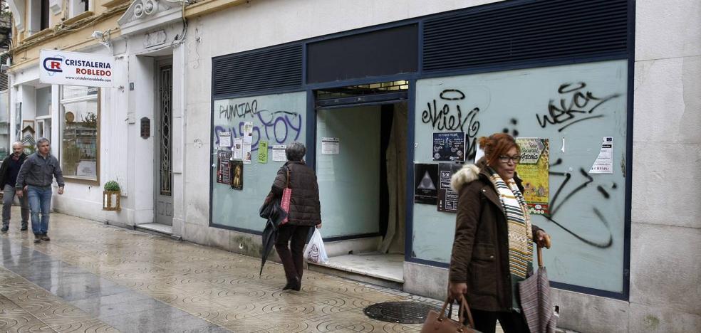 Torrelavega se llena de locales en venta, traspaso o alquiler
