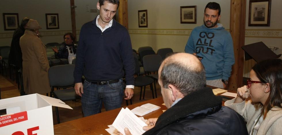 Zuloaga toma ventaja en la batalla por el control municipal en el PSOE