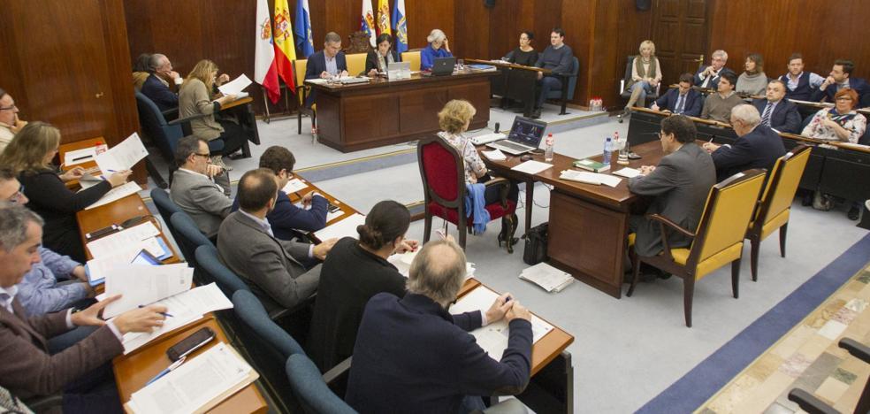 El exedil de Cs David González permite al PP sacar adelante los Presupuestos