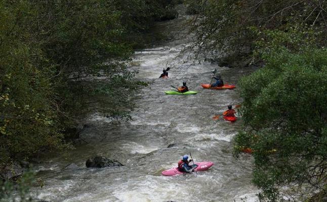 El Asón acoge el fin de semana la XII copa cántabra de kayak