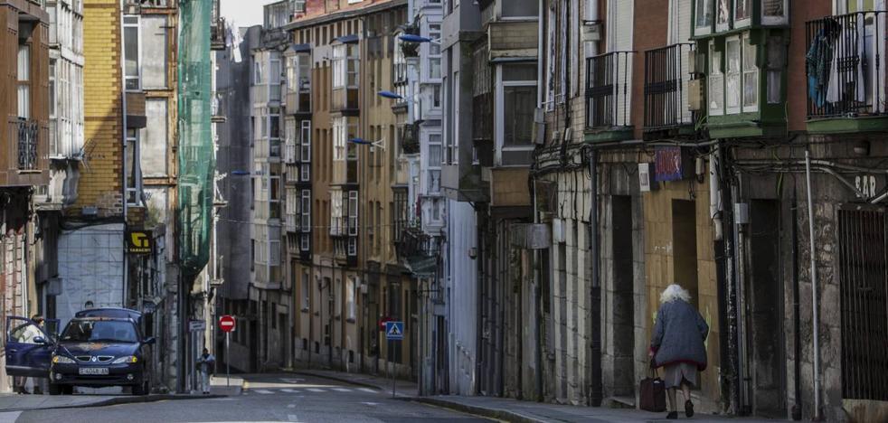 Los vecinos del Cabildo, «desanimados» por quedar paradas las reconstrucciones