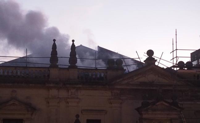 Las obras de arte del MAS se salvan del incendio