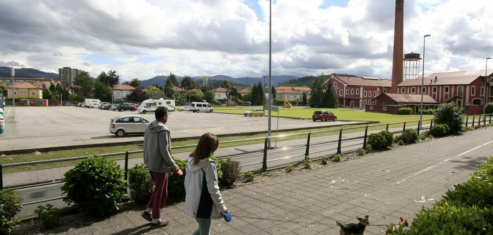 Torrelavega equipará tres parques con aparatos de gimnasia en la 'ruta del colesterol'