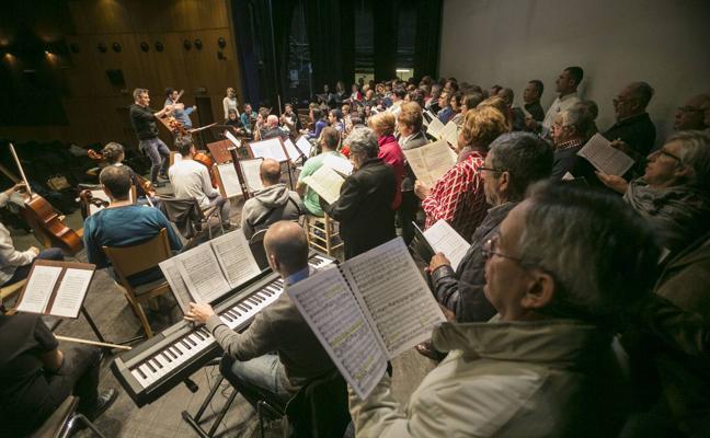 Cerca de 260 cantantes amateurs de Cantabria interpretarán 'El Mesías' dirigidos por Higginbottom