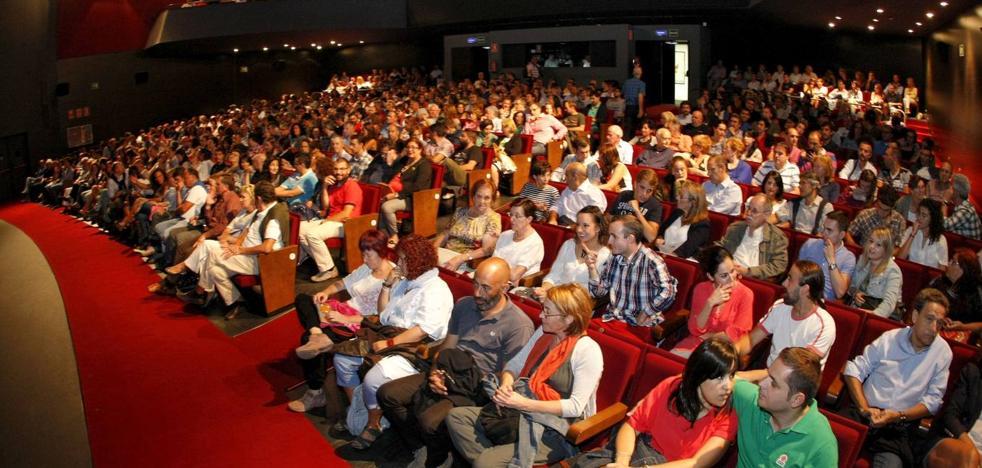 La oposición pide que se investiguen las galas solidarias en el Teatro Concha Espina