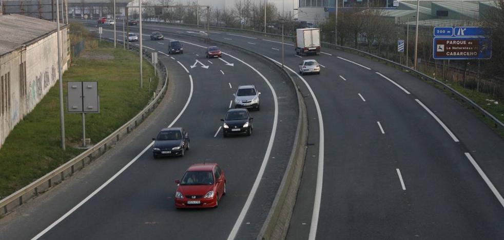 Un coche circula en sentido contrario a la altura de Heras y da la vuelta en la propia autovía