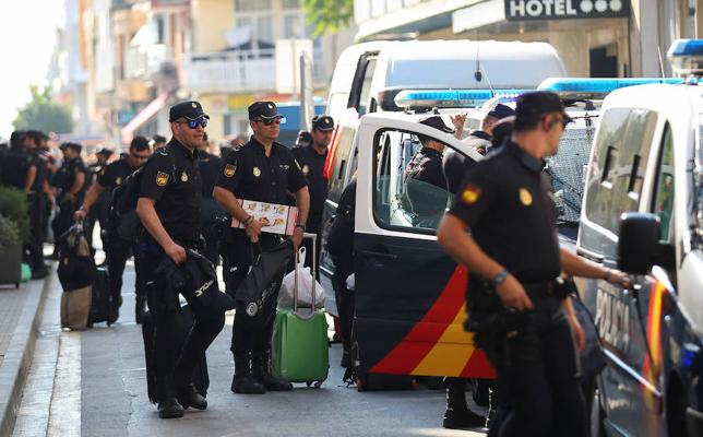Interior reduce a la mitad el despliegue policial en Cataluña