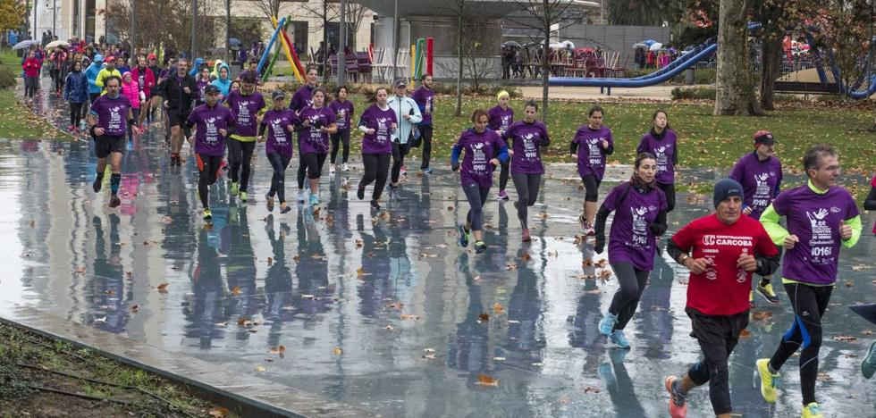 La Carrera contra la Violencia de Género recauda 3.000 euros para las asociaciones CAVAS y Consuelo Berges