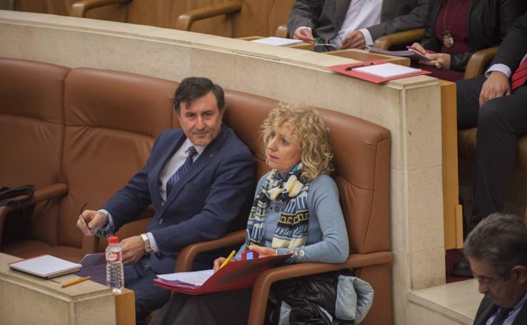 Imágenes del Pleno de debate de las enmiendas a la totalidad del Proyecto de Presupuestos de Cantabria 2018