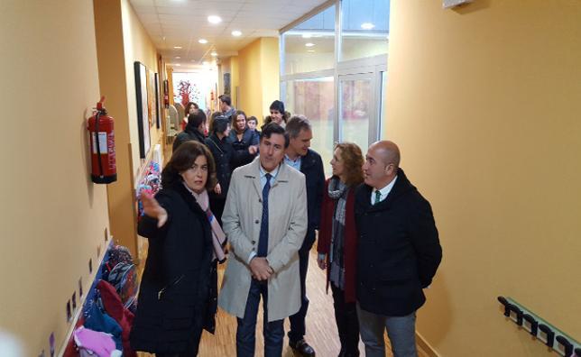 Educación invertirá un millón de euros para ampliar en 2018 el colegio La Robleda de Cartes