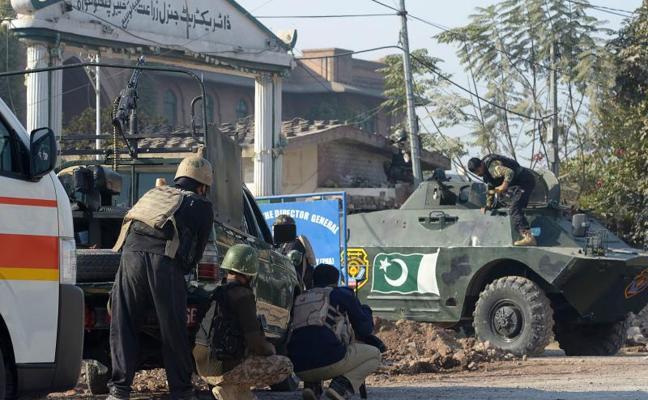 Mueren nueve personas en el ataque de los talibán en un campus de Peshawar