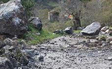 Reabre la carretera Rubalcaba-Mirones, cortada por desprendimiento