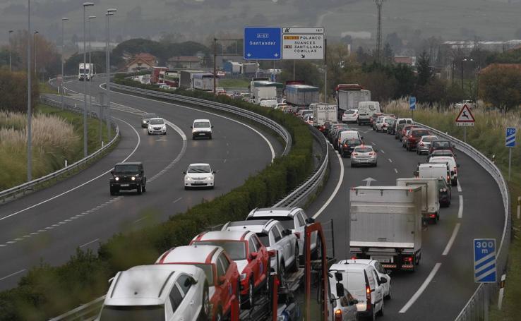 El atasco llega a Torrelavega