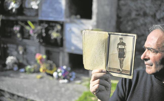 Descubren en el cementerio de Limpias los restos de 74 soldados republicanos
