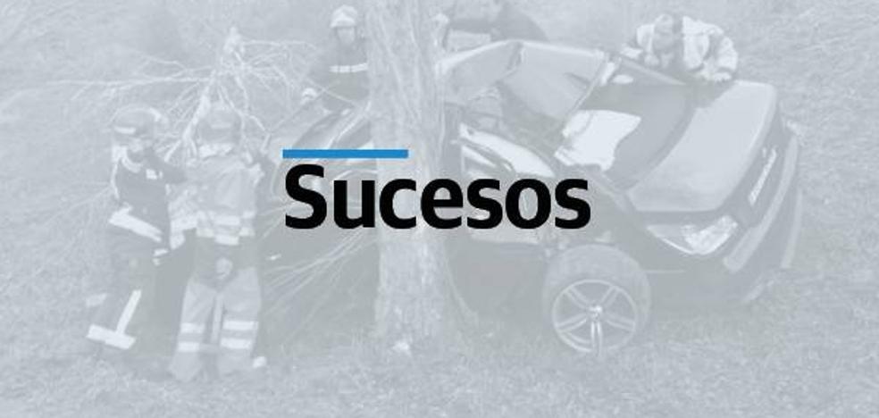 Herida grave una ciclista que tropezó y fue arrollada por un coche en Ramales