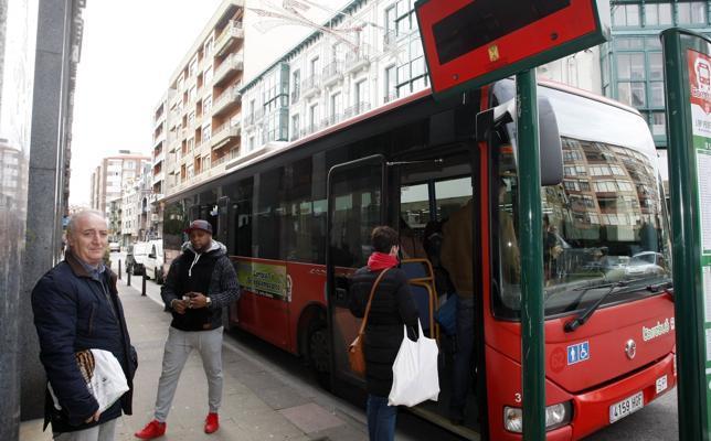 El servicio del Torrebús supera ya la barrera de los 2.600 viajeros diarios