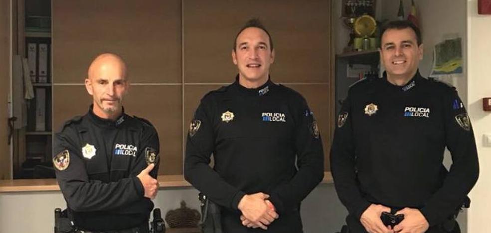 Tres policías de Noja, distinguidos por el rescate de un menor francés caído en un acantilado