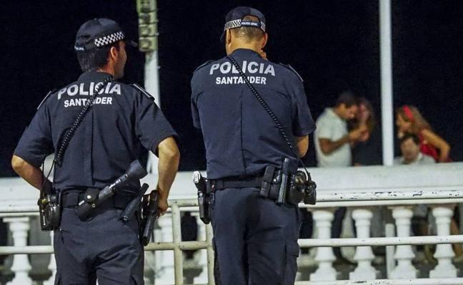 Los futuros policías locales de Santander deben conocer la Constitución, saber nadar y tener buena salud