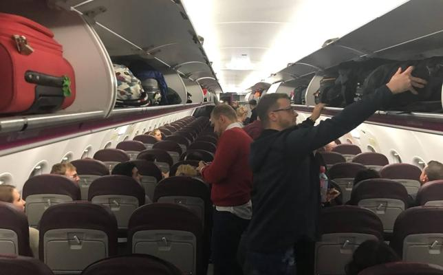 El vuelo a Varsovia despega del Seve Ballesteros tras 25 horas de espera