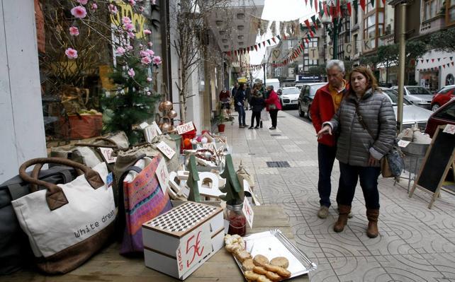 Los comercios de Torrelavega podrán exponer sus productos en la calle