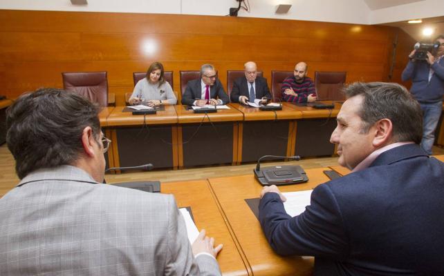 El Gobierno y Carrancio muestran su sintonía al votar en bloque las enmiendas