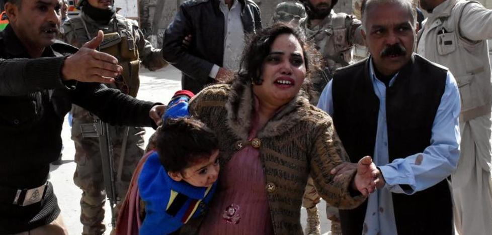 Al menos nueve muertos y 30 heridos en el ataque a una iglesia metodista en Pakistán