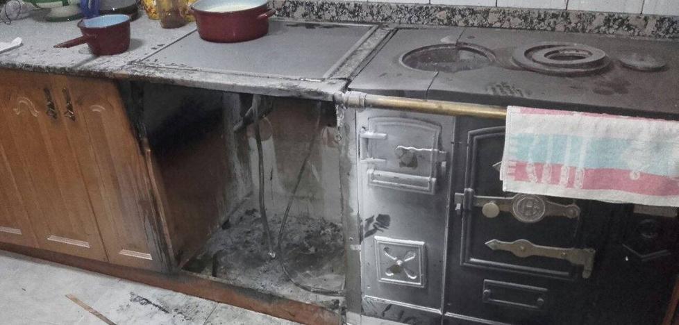 Se incendia una habitación en una casa de Santoña y la cocina en otra de Cillorigo de Liébana